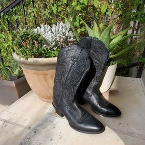 Ariat Size 7.5 B Black Pointed Toe Boots
